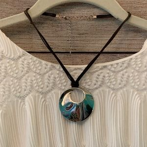 Stunning swirled silver pendant necklace
